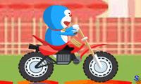 Дораэмон гоняет на мотоцикле по дому