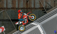 Крутой мотоциклист
